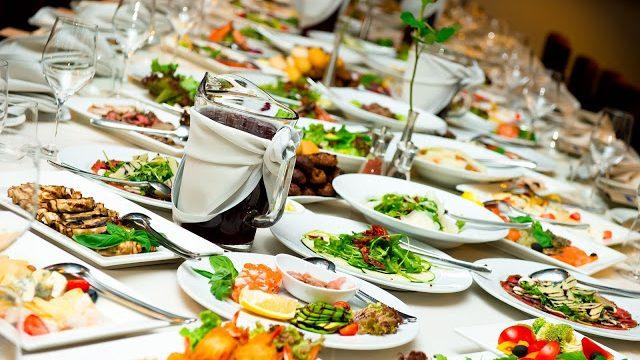 FOOD MAKES THE WEDDING!